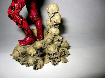 土台の骸骨も造りこまれている