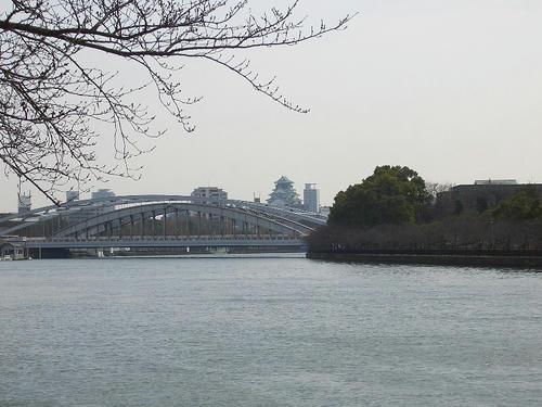 大川と大坂城