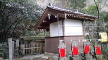 yonakiishi13.jpg
