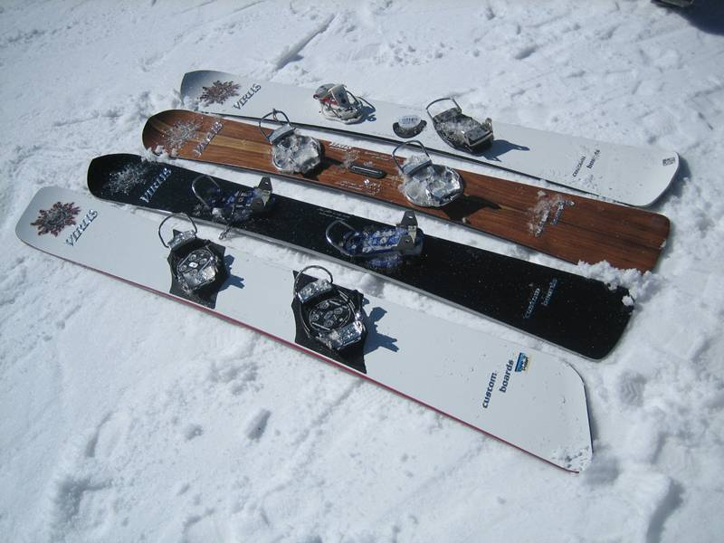 virus snowboard bandit