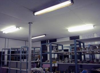 1階蛍光灯