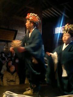 小豆沢の能衆の神子舞