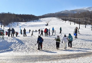 子供も楽しく滑れる牛岳温泉スキ...