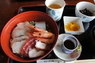 道の駅「伊根の里」海鮮丼
