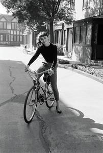 audrey-hepburn-on-bike_3.jpg