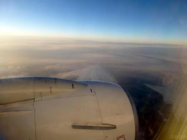 富士山上空を飛行中