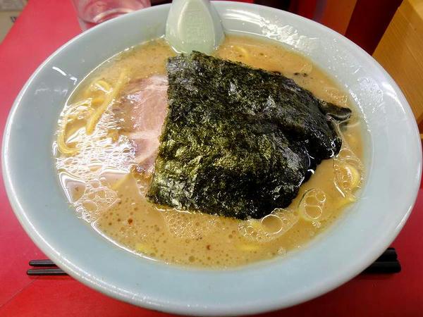 醤油ラーメン(麺・油・味全部普通)