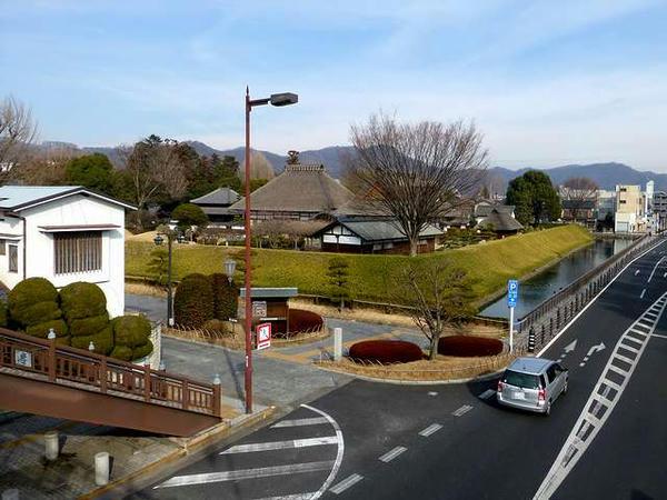 歩道橋から見た足利学校