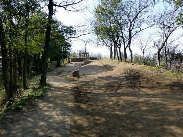 馬場通路と物見台跡