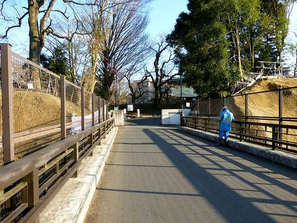 本丸橋(の上より)