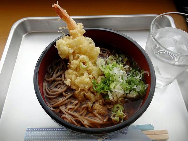 天ぷらそば 520円