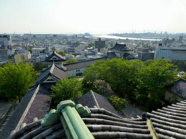 天守最上階から紀ノ川方向を望む
