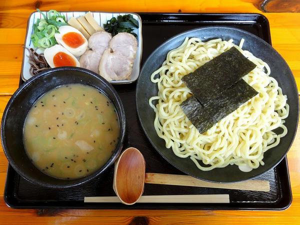 特製つけそば(味噌・並盛・冷たい麺)