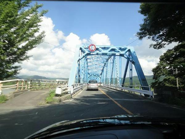 米代川を渡って旧二ツ井町へ