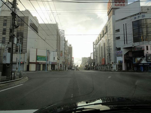 早朝の函館市内