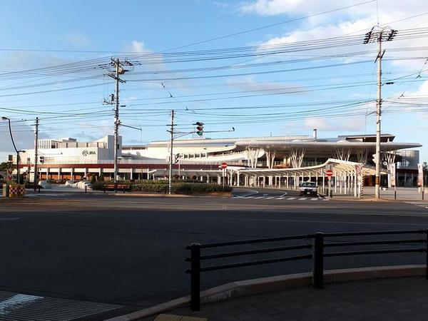 早朝の函館競馬場