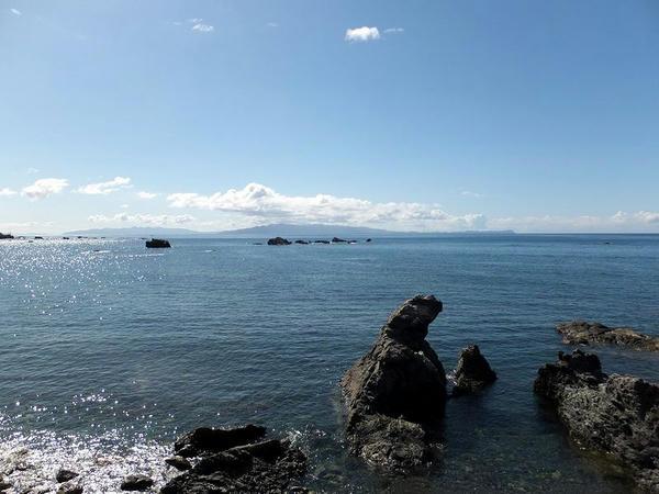 白神岬から本州(津軽半島)を望む