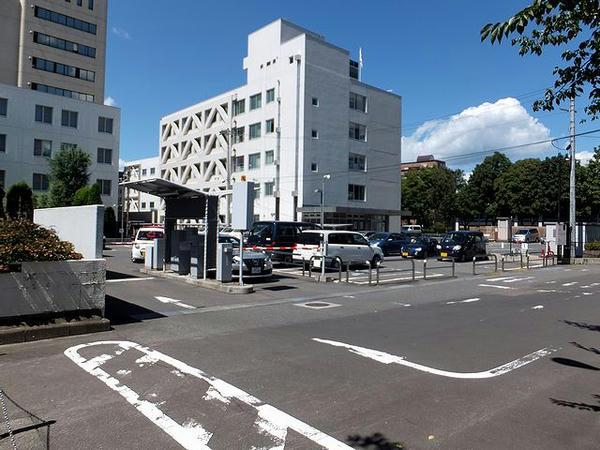 岩手県営内丸駐車場