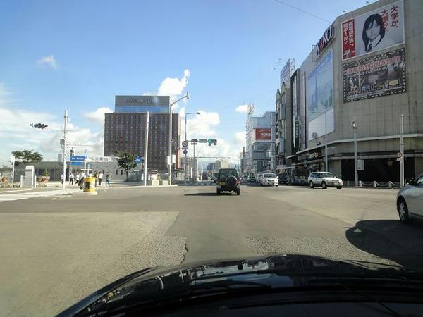 JR函館駅付近を走行中
