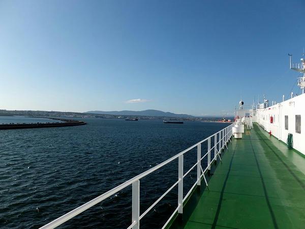 八戸港入港前