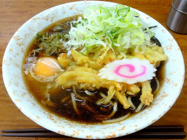天ぷら玉子そば 400円