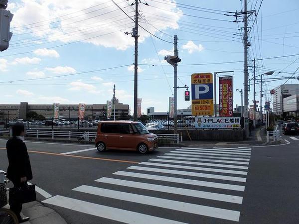 船橋競馬場手前の交差点