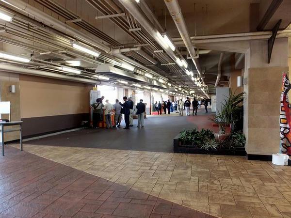 スタンド1階西側内部