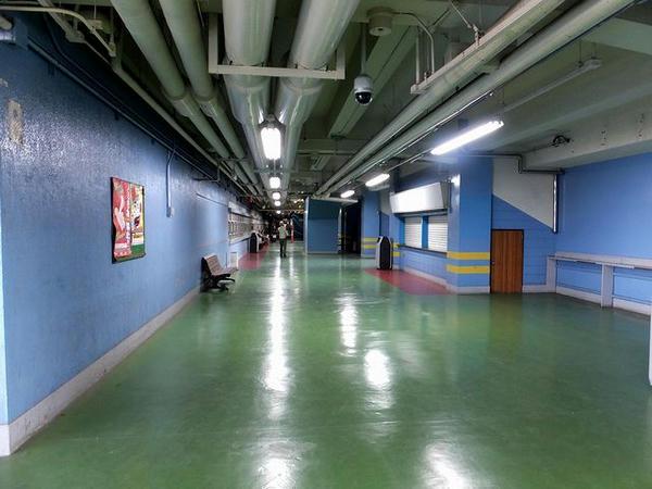 スタンド3階東側内部(1)