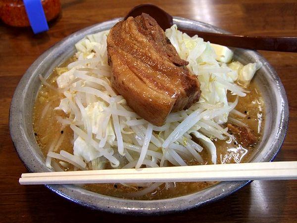 肉バターラーメン 1000円
