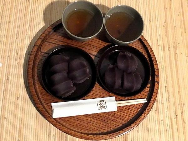 赤福 (1皿)280円(写真は2皿)