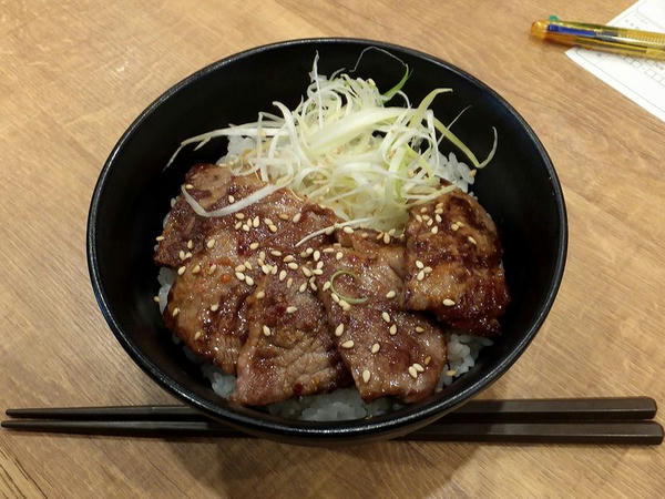 特選近江牛の焼き牛丼 600円