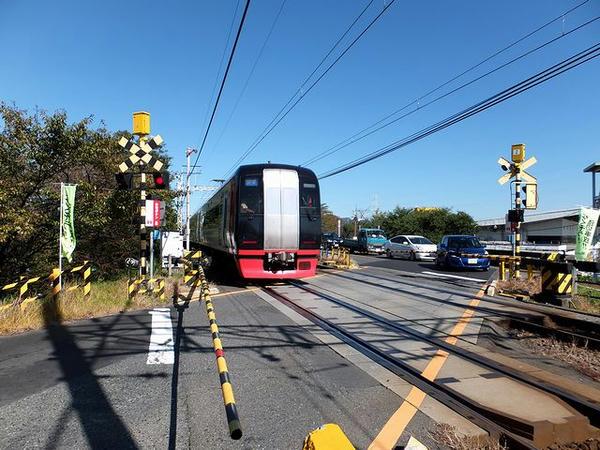 名鉄名古屋本線の踏切