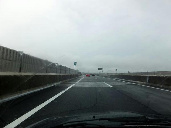 雨の降り続く東海北陸道