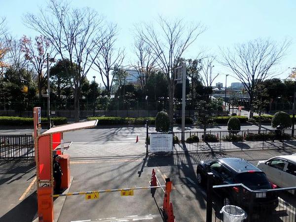第3駐車場から見た大井競馬場