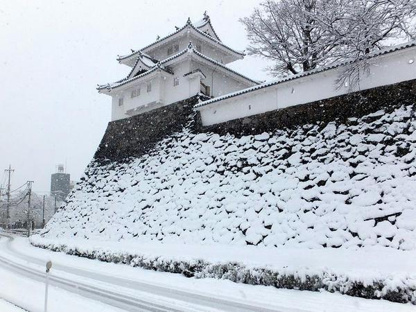 稲荷櫓と石垣