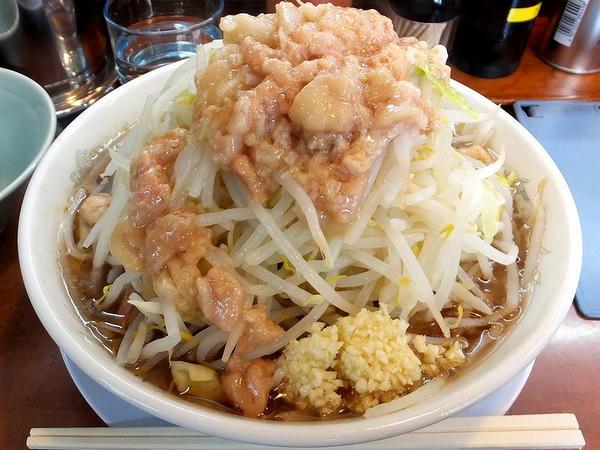 ラーメン中盛(無料トッピング全増し) 730円
