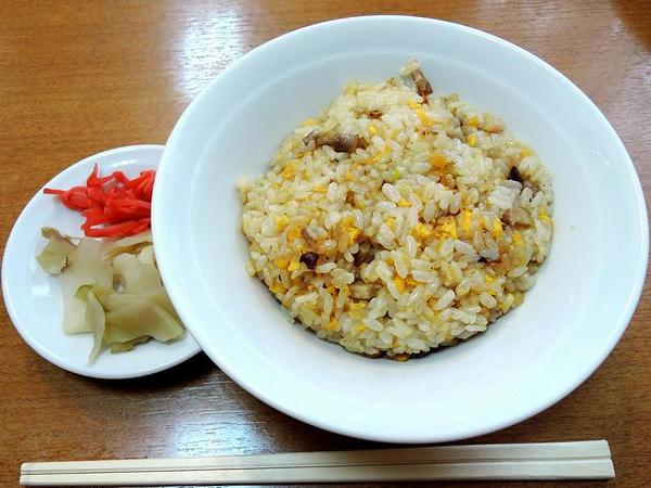 喜(よろこび)セット(平打ち麺) 890円 のチャーハン