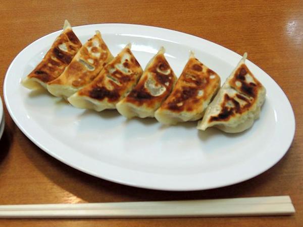 餃子 380円 (ピンボケ申し訳ない)