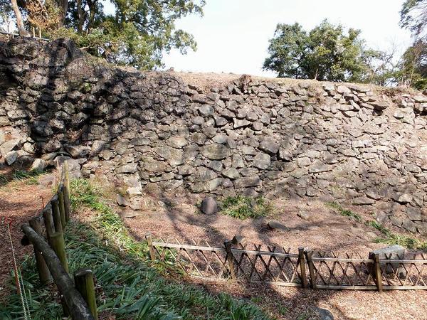 保全対策工事中の石垣