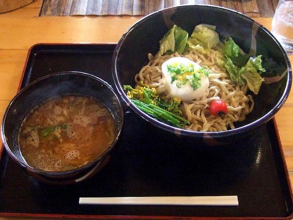 花の季つけ麺春バージョン 780円