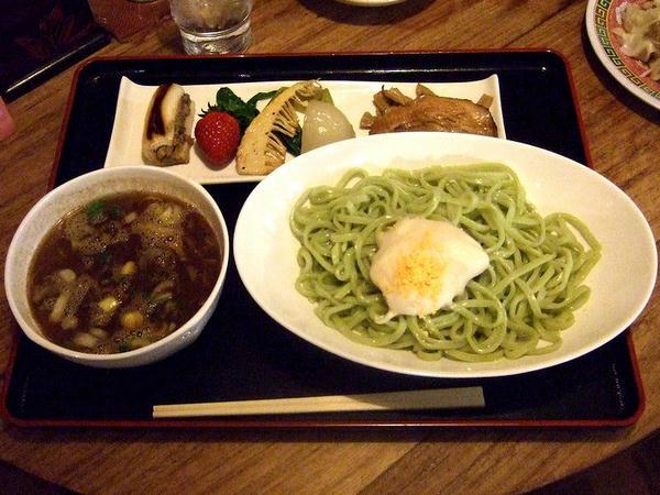 花の季つけ麺春バージョン 800円