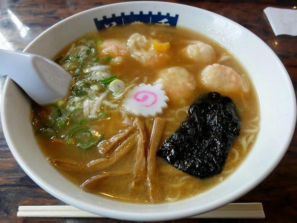 エビワンタン麺 880円