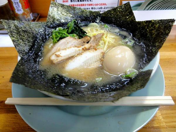 のり玉子ラーメン(細麺) 850円