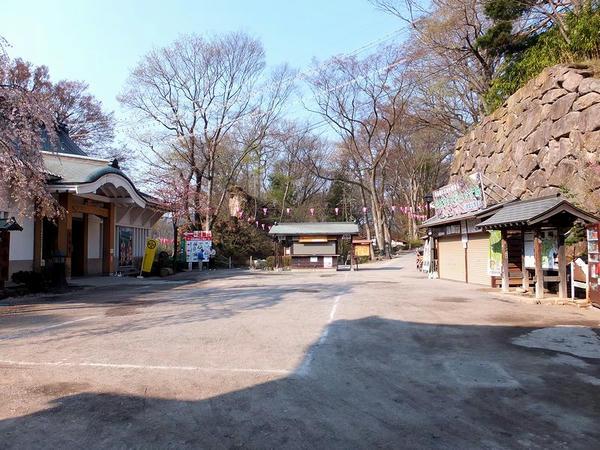 懐古園入口付近
