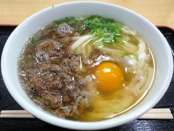 肉うどん 480円 + 生たまご 40円
