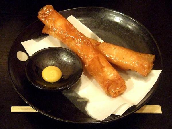 サクサク海老春巻(2本) 380円