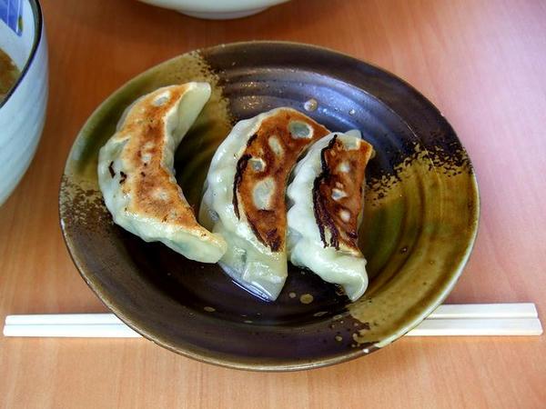 ハーフ餃子(3ヶ) 210円