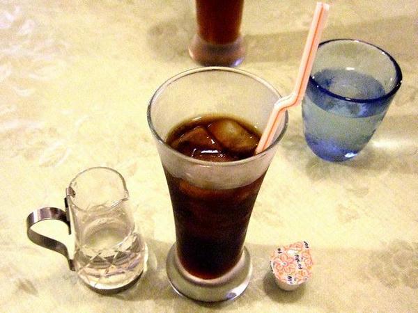 ワンパウンドジャンボステーキ(450g)セット(レア) 2,330円 のアイスコーヒー