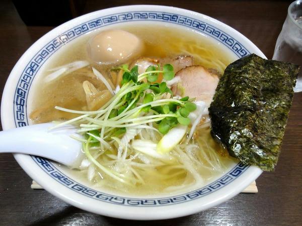 塩らぁ麺 600円 + 玉子 100円