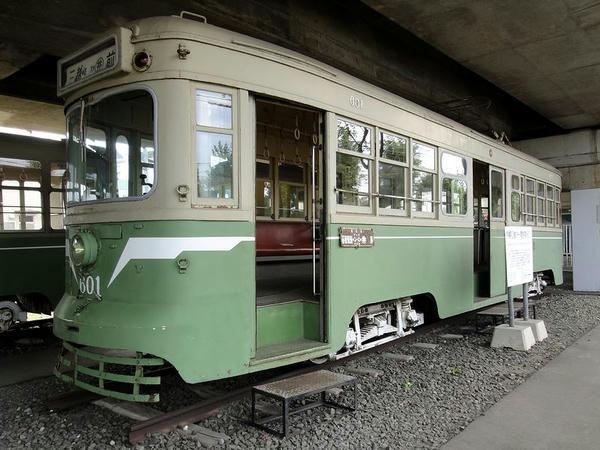 半鋼製2軸ボギー電動客車 600形(601)